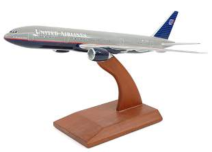 United Airlines Boeing 777-200 Model Plane