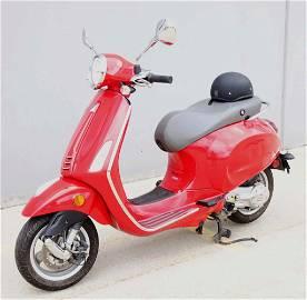 2015 Vespa Primavera 50 Motor Scooter - 8:00pm