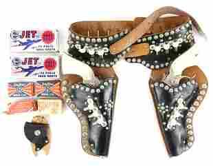 Western Corral Silver Saddle Holster Set