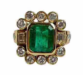 Estate 18K Yellow Gold Emerald & Diamond Ring
