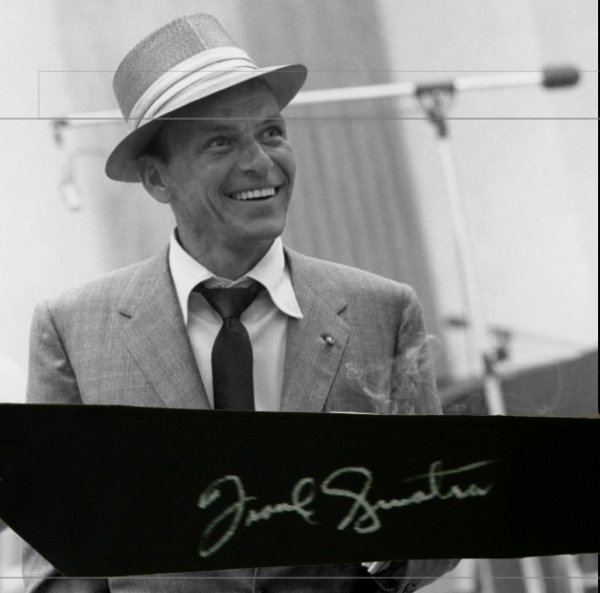 21: Frank Sinatra's personal Tie, Signed.