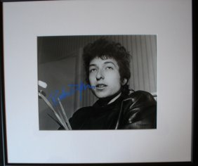 Bob Dylan Signed Photograph.