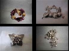 136: Stevie Nicks' stage worn costume jewellery