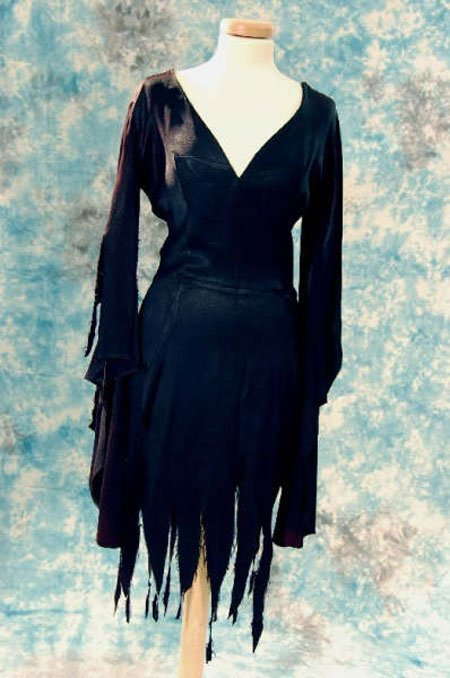 137: Stevie Nicks' Jet Black witches outfit
