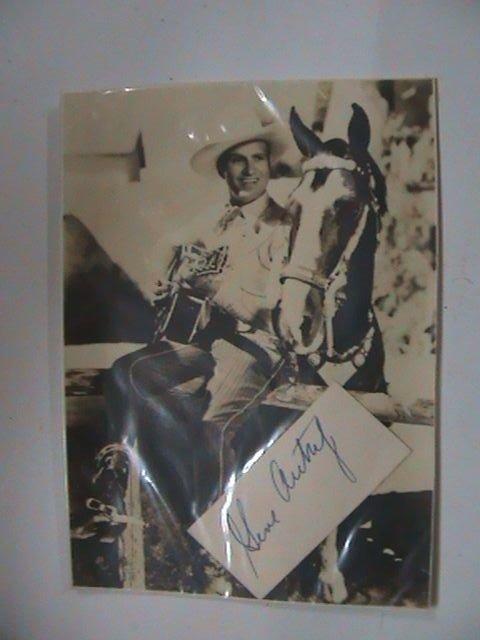 304: Gene Autrey  - A b/w postcard with signature