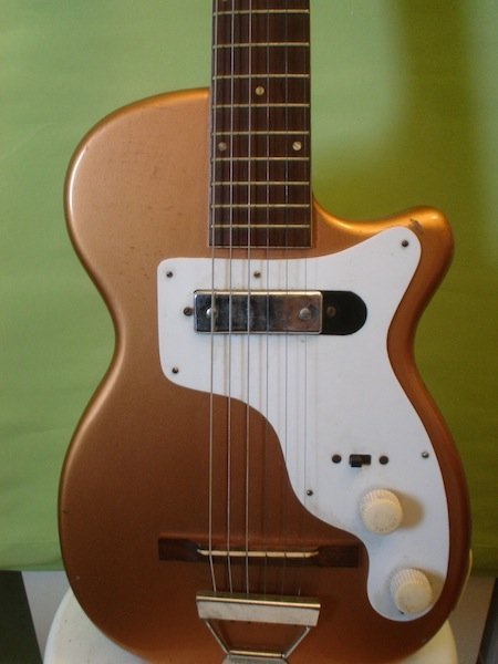 124: Elvis Guitar, Amp Lead and Army collection