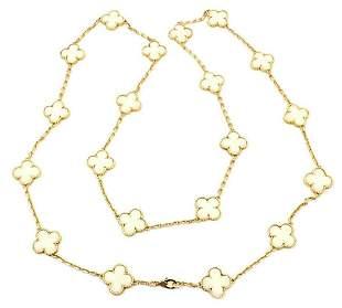 Authentic! Van Cleef & Arpels 18k Gold 20 Motif White