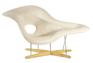 "Eames ""La Chaise"""