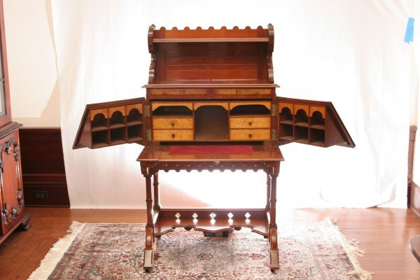 118: Victorian Desk