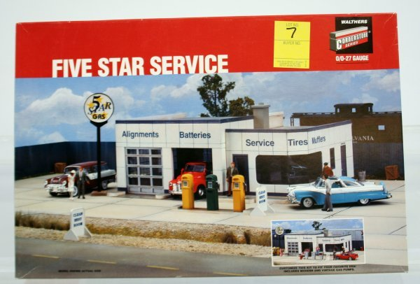 7: WALTHERS 5 STAR SERVICE STATION KIT