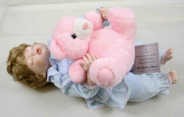 633: 633: Danbury Mint Little Sleepyhead Porcelain Doll