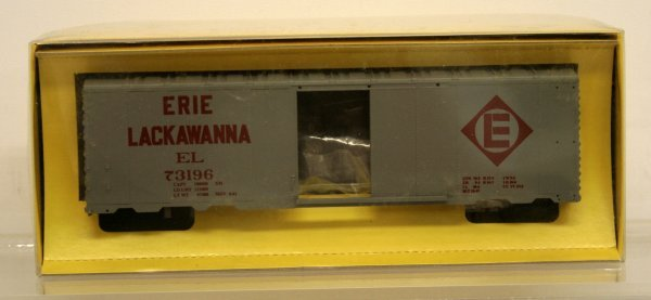 202: American Models S Gauge Erie Lackawanna Boxcar Kit