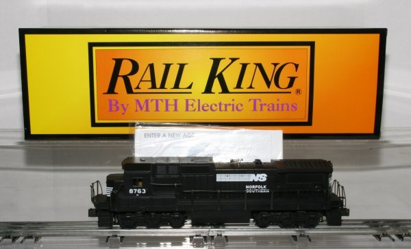 405: MTH 30-2114-1 Norfolk & Southern Dash 8