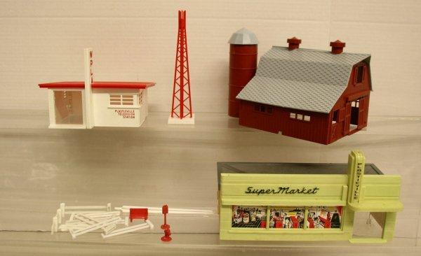 109: Plasticville TV Station, Barn, Super Market,