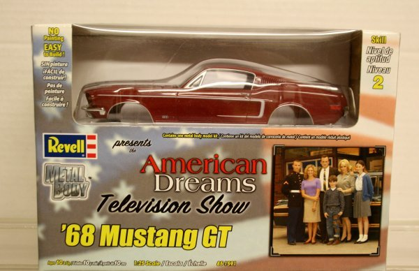 302: Revell 1:25 Scale American Dreams TV Show 68 Musta