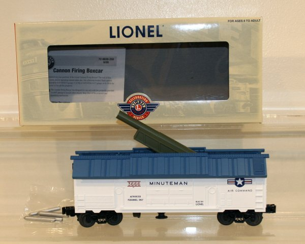 800: Lionel O Scale 6-29828 Cannon Firing Box Car