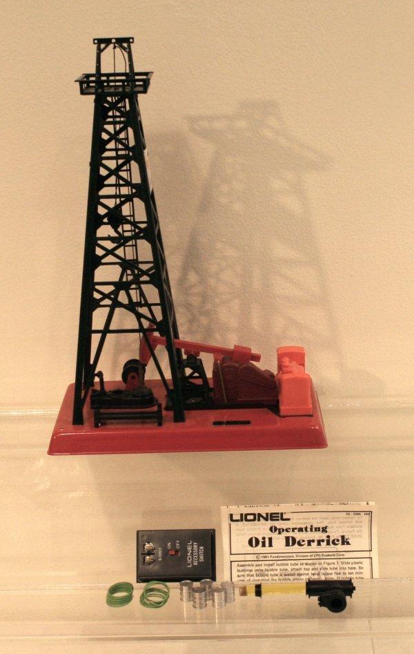 812: Lionel O Scale Oil Derrick & Pump Getty Operating