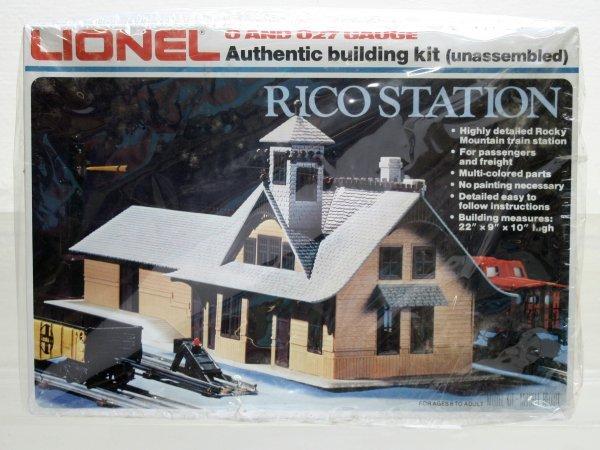 1223: Lionel O Gauge Rico Station 2709
