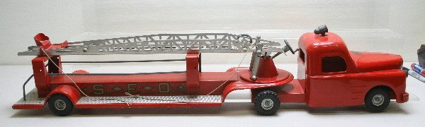 1744: Structo S.F.D. Hook And Ladder Fire Truck