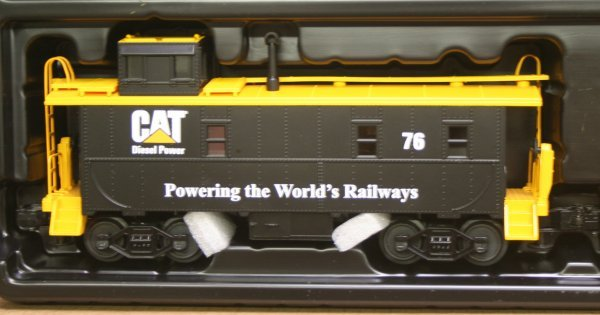 2698: MTH O Gauge Caterpillar Train Set 30-4053-1 - 4