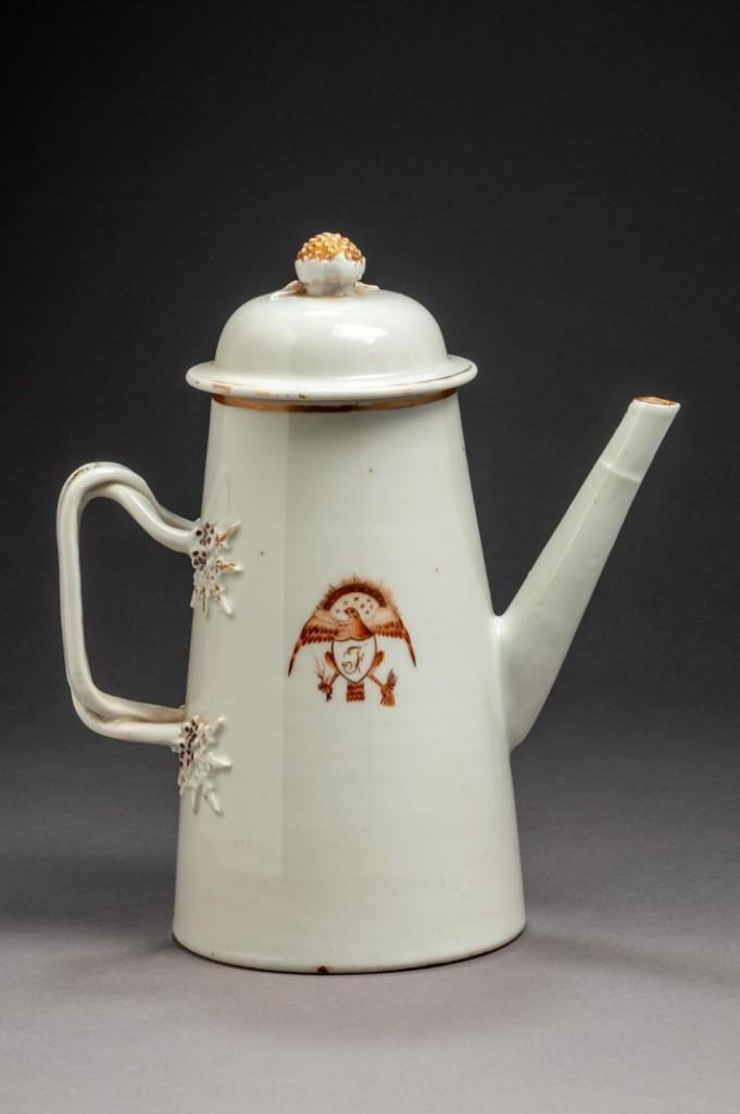 Chinese Export Porcelain American Eagle Coffee Pot.