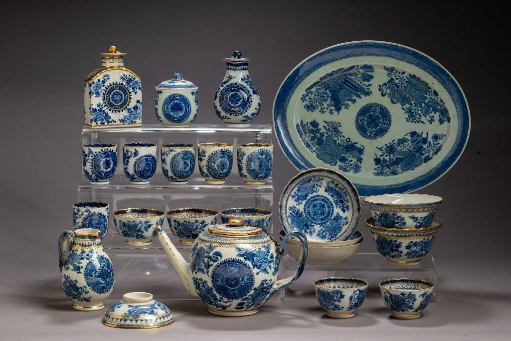Chinese Export Porcelain Assembled Tea and Coffee