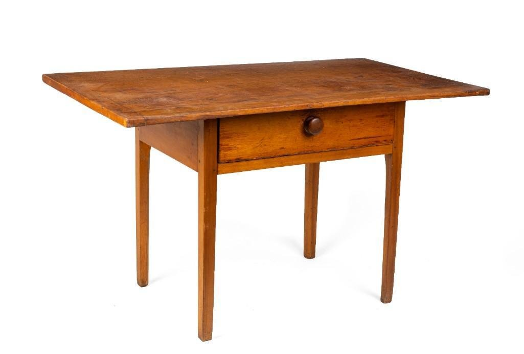 New England Country Pine Tavern Table.