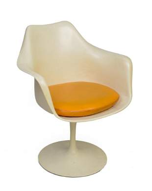 Eero Saarinen Swivel Tulip Armchair for Knoll