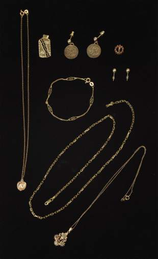 Group of Gold Jewelry.