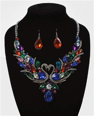 Swan Necklace with Earrings.