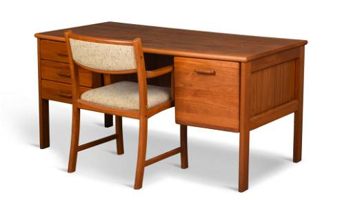 Mobler Mid Century Modern Desk and Chair.