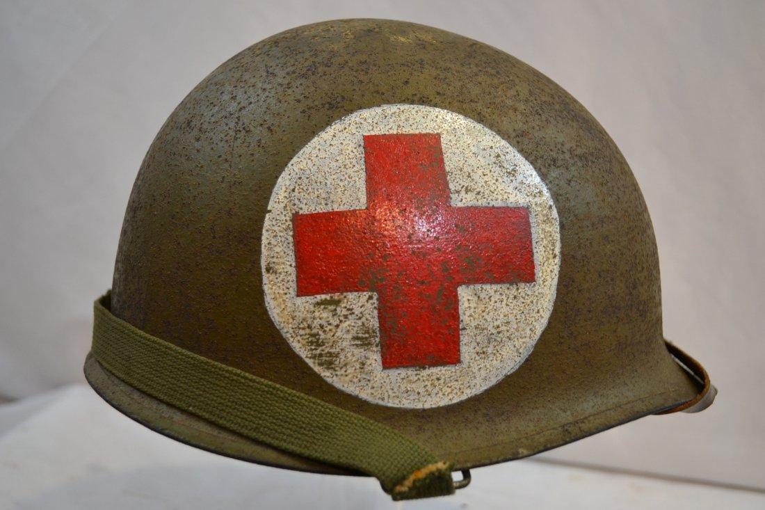 US ARMY LATE WWII / KOREAN WAR MEDIC HELMET AIRBORNE