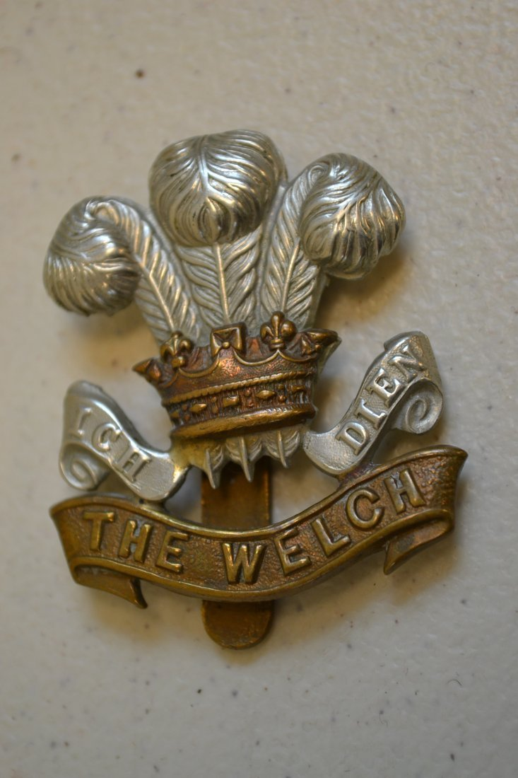 WWI BRITISH THE WELSH REGIMENT CAP BADGE EARLY QUALITY