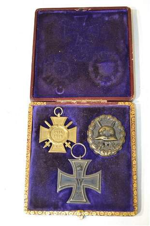 IMPERIAL GERMAN SET OF 3 WWI SERVICE MEDALS IN A BOX
