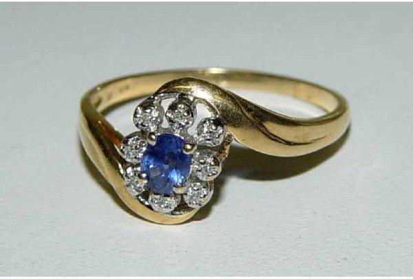 1008: 10kt Gold Sapphire & Diamond Lady's Ring