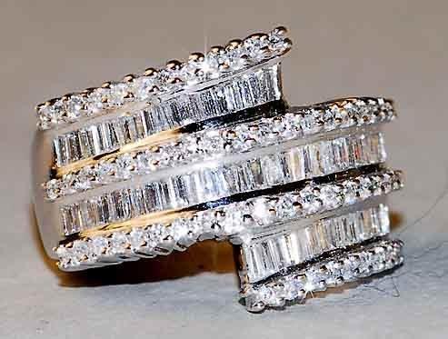 1083: 18kt 3ct Baguette Diamond Cocktail Ring