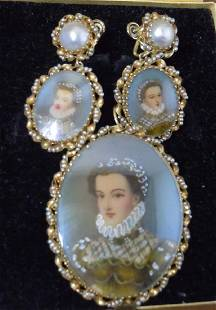 14Kt Gold and Pearl 18th Century Style Female