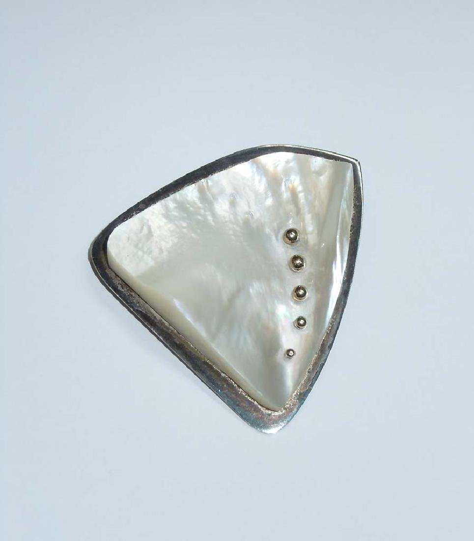 Modern Sterling 9ct Gold Mother Pearl Abolon Brooch