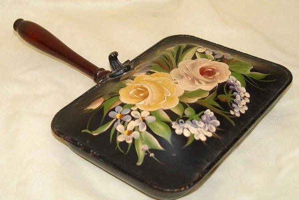7: Pilgrim Art Tole Silent Butler Roses Flower