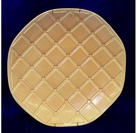 21: Haegey 5133 USA Pottery Charge Plaque Ceramic