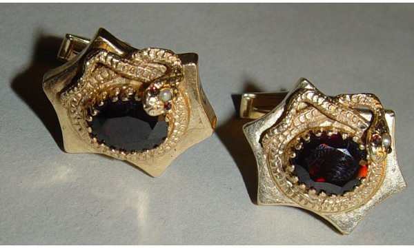 140: 14kt Gold Ruby Pearl Snake Cuff Links