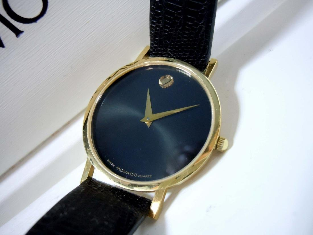 MOVADO MUSEUM WATCH 87.45.882.1 GOLD BEZEL BLACK DIAL