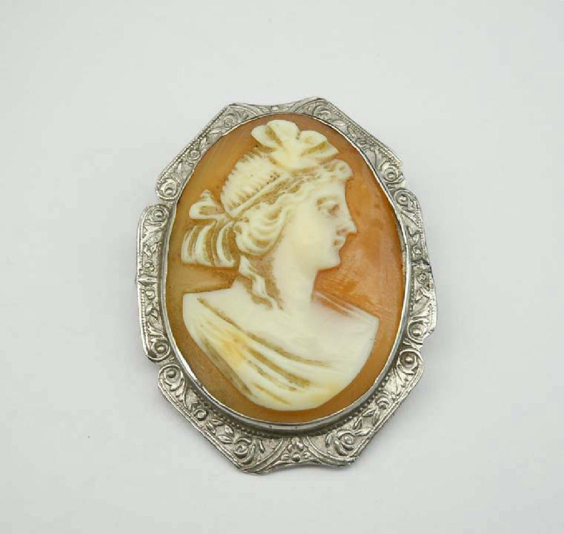 19c VICTORIAN 14K Wt GOLD CARVED FEMALE CAMEO BROOCH An