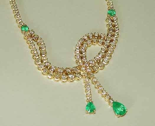 1185: 14kt Gold Emerald 17.4ct Diamond Necklace