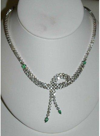1262: Exquisite Diamond And Emerald Necklace