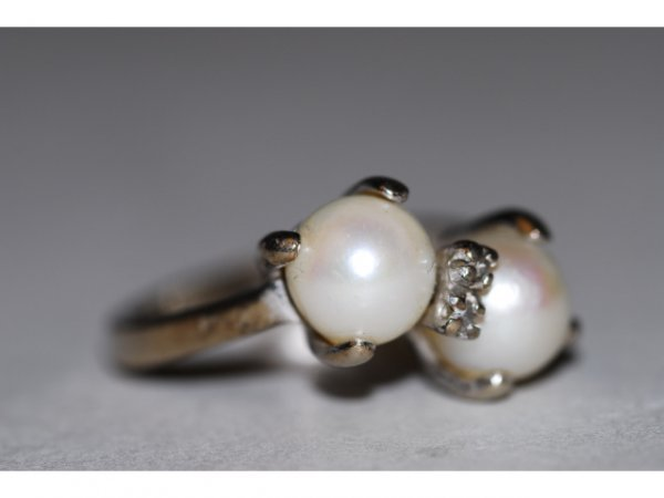 517: 14kt Gold Diamond 7mm Natural Pearl Ring