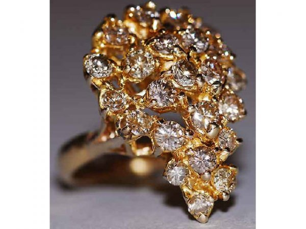 644: 14kt Gold 3ct Fancy Diamond Ring