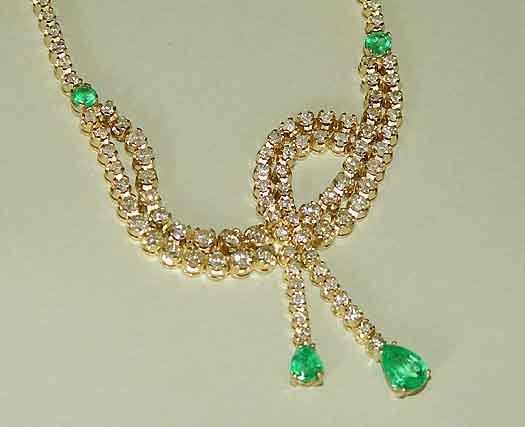 695: 14kt Gold Emerald 17.4ct Diamond Necklace