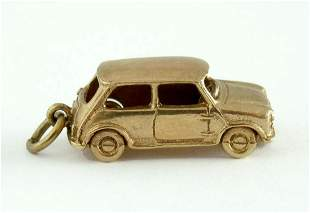 VINTAGE 9CT GOLD 1950S CLASSIC AMERICAN CAR CHARM 9K