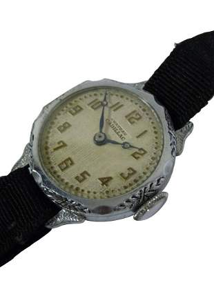 1920S CHATEAU CADILLAC LADIES BUBBLE BACK WATCH, DECO